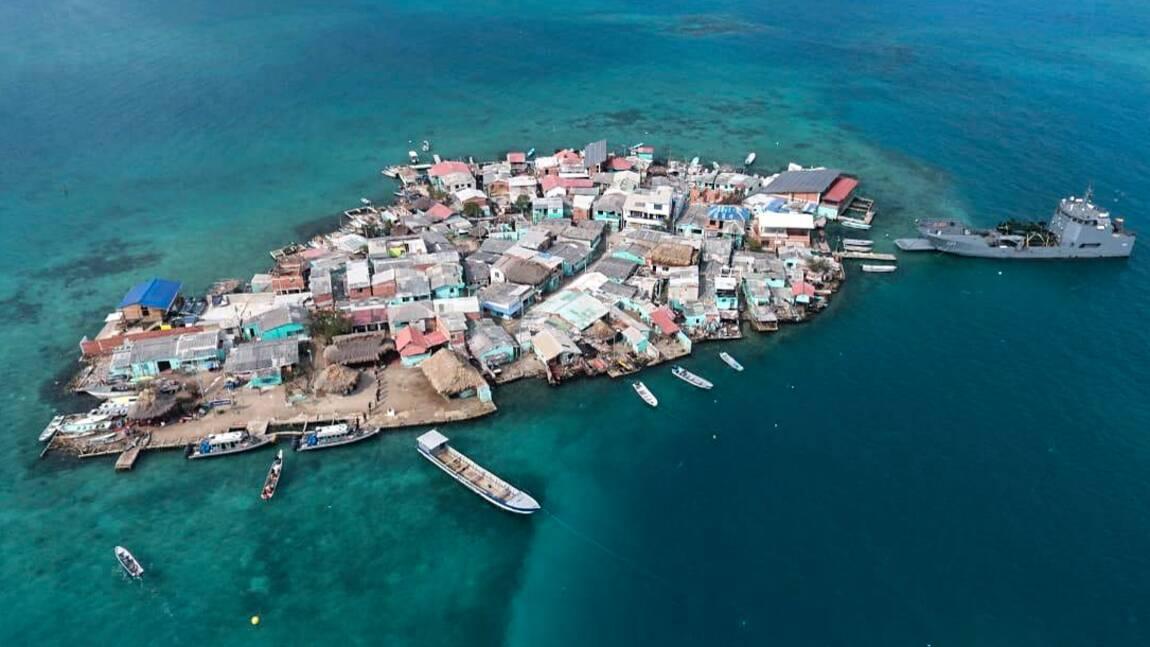 Confinés à l'étroit sur un îlot surpeuplé des Caraïbes