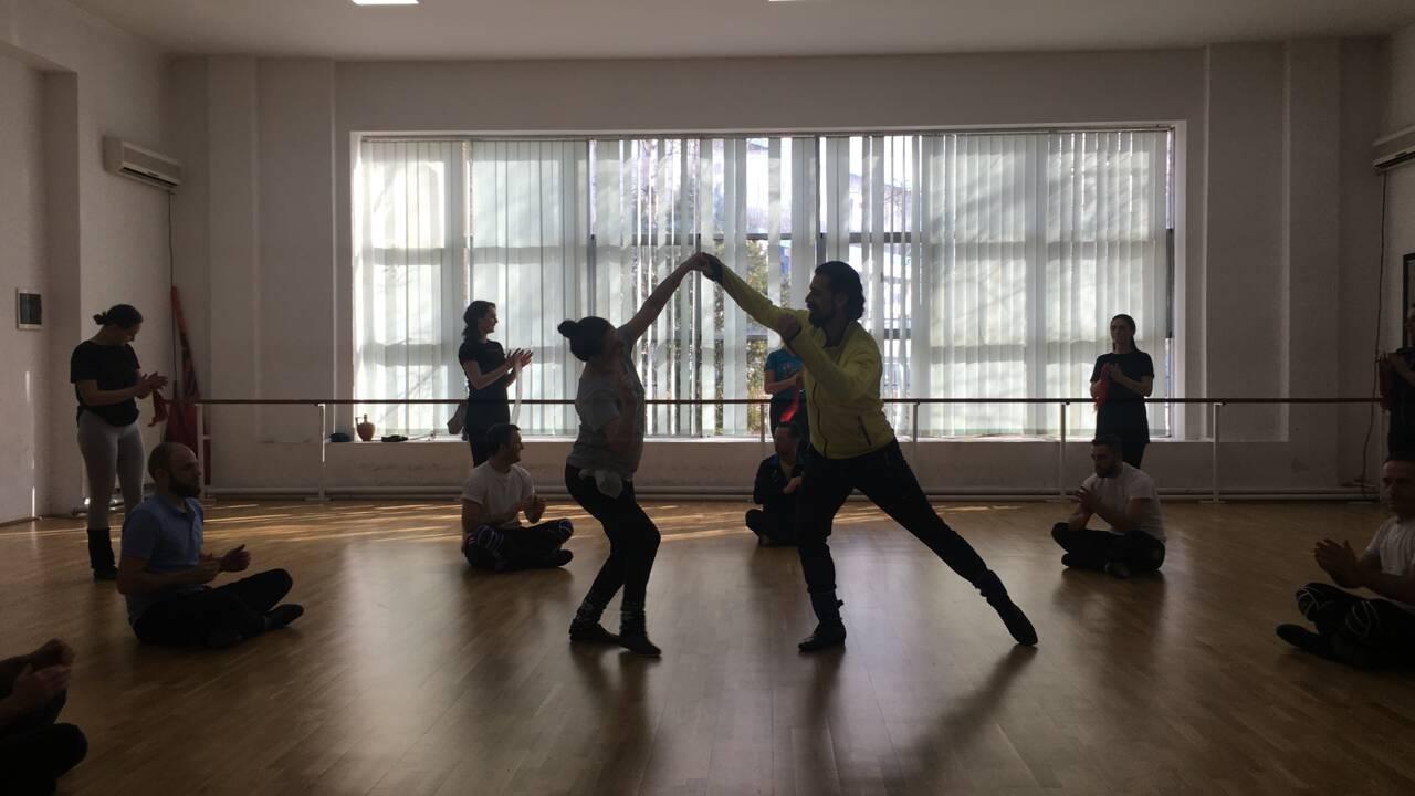 """Shota"", voyage avec les danseurs kosovars"