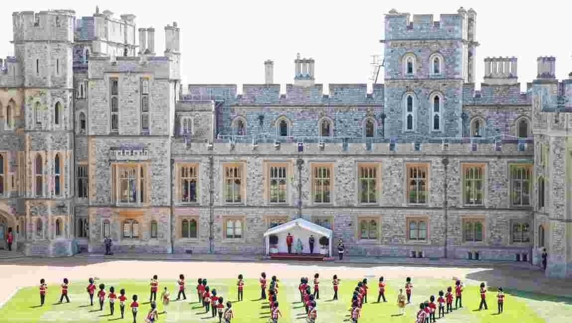 Les résidences royales britanniques rouvrent au public, sur fond d'inquiétudes pour l'emploi