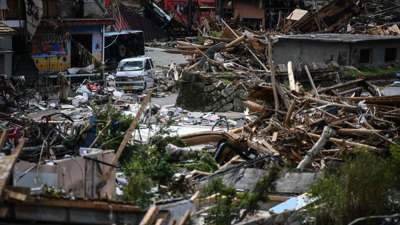 Inondations au Japon: au moins 61 morts, pluies record dans le centre