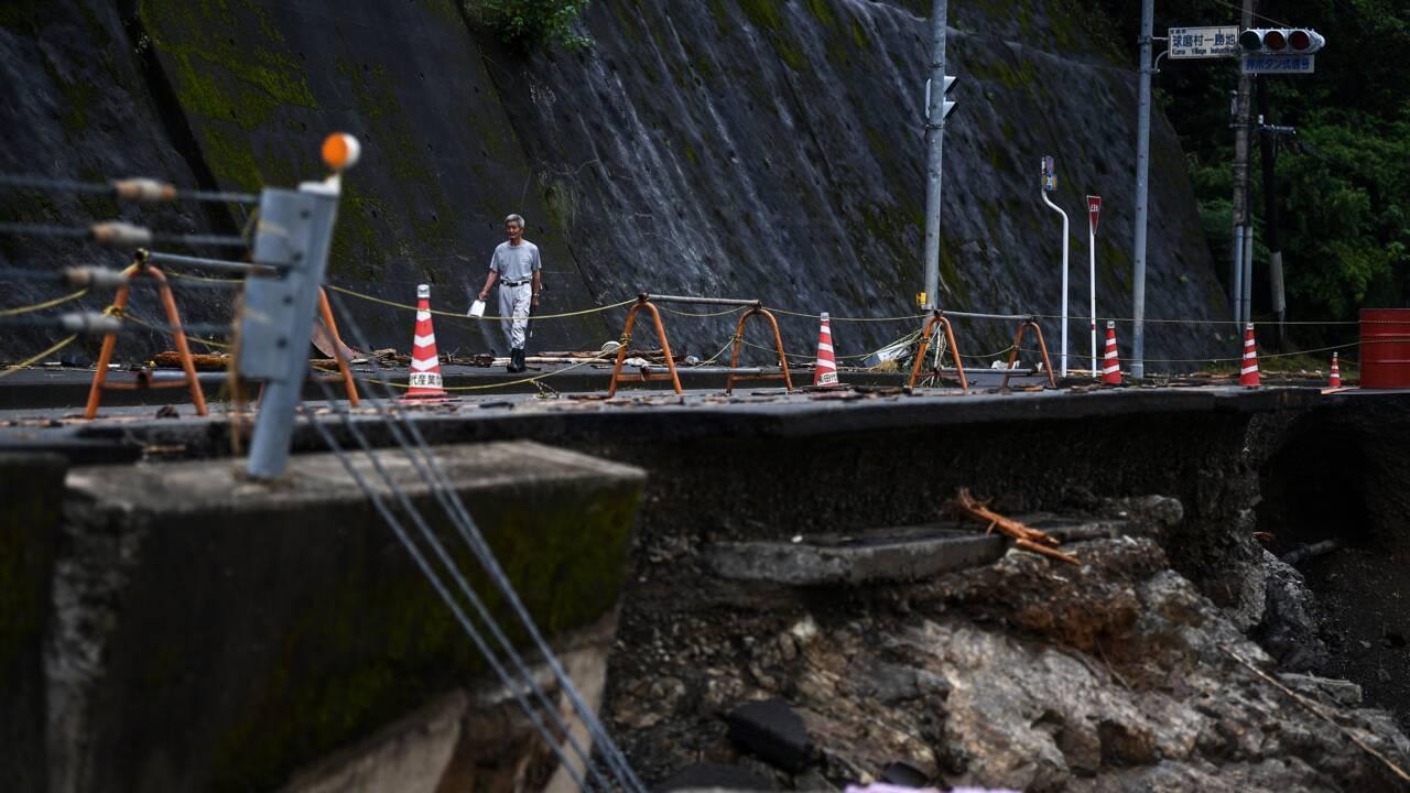 Pluies diluviennes au Japon: des milliers de foyers toujours coupés du monde