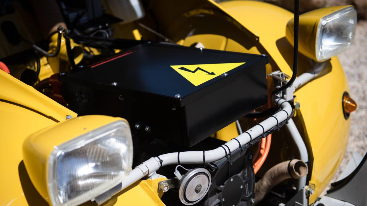 """A Cassis, des moteurs électriques dans des 2CV pour """"évoluer avec son temps"""""""