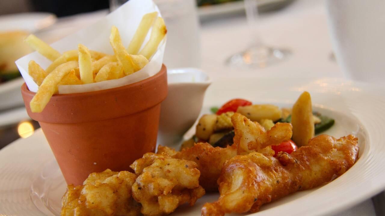 Tout savoir sur le fish and chips, friture reine des Britanniques