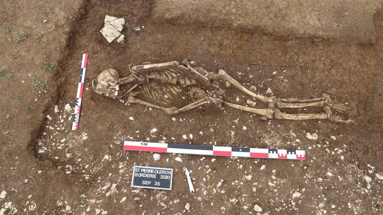 Des vestiges de bâtiments et des sépultures remontant jusqu'à 2800 ans découverts sur l'île d'Oléron