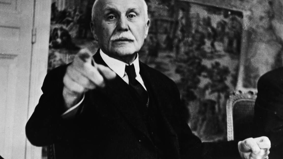 """Philippe Pétain: du """"héros de Verdun"""" au banc des accusés"""