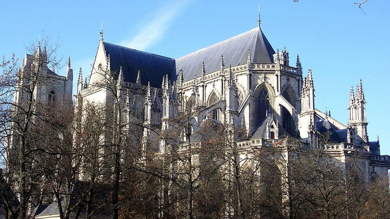 """Le grand orgue de la cathédrale de Nantes ravagé, enquête pour """"incendie volontaire"""""""