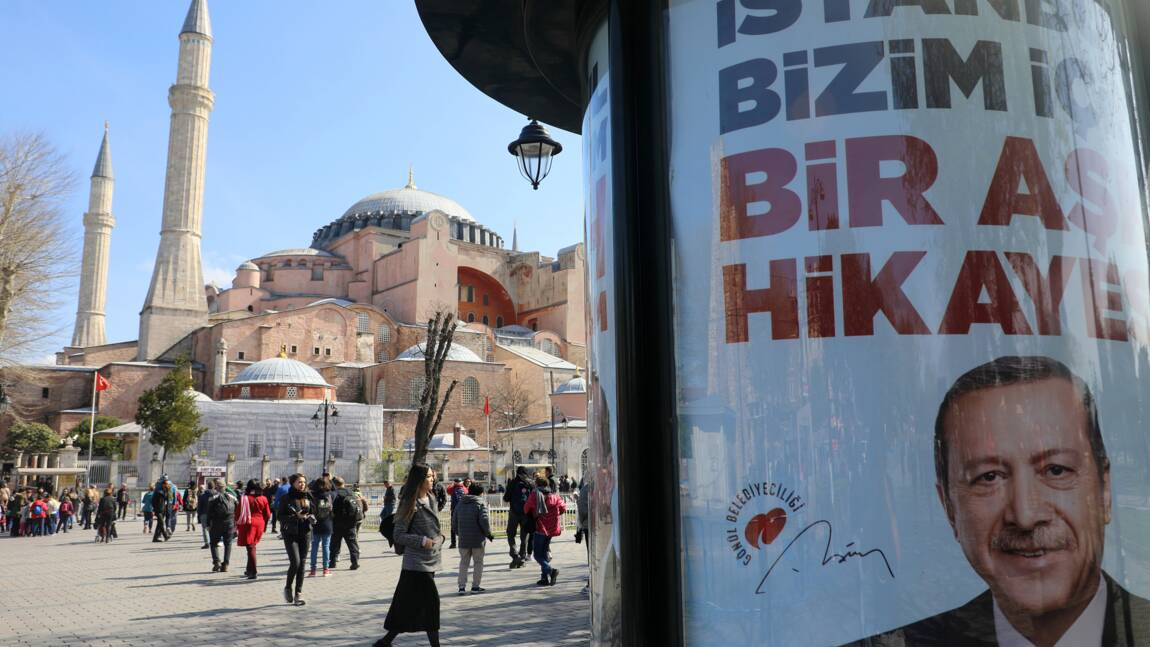 Turquie: visite symbolique d'Erdogan à Sainte-Sophie