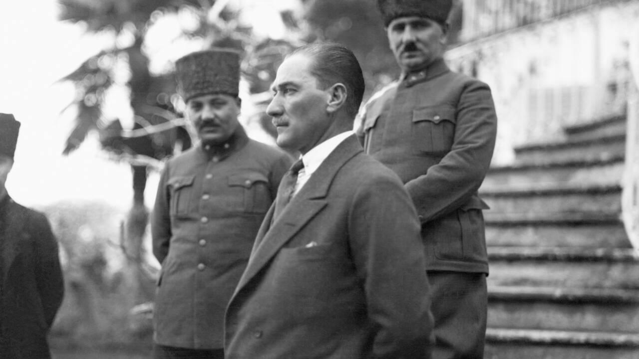 Turquie : polémique après les propos d'un chef religieux jugés anti-Atatürk