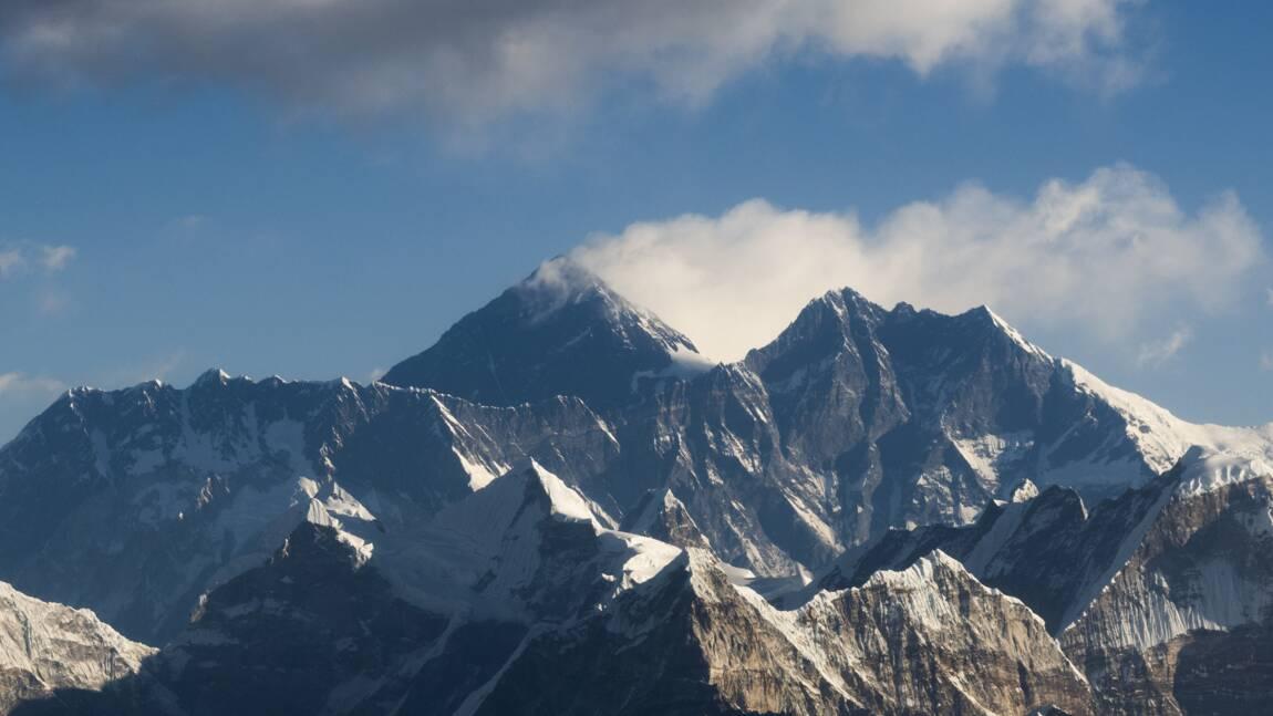 Des microplastiques découverts près du sommet de l'Everest