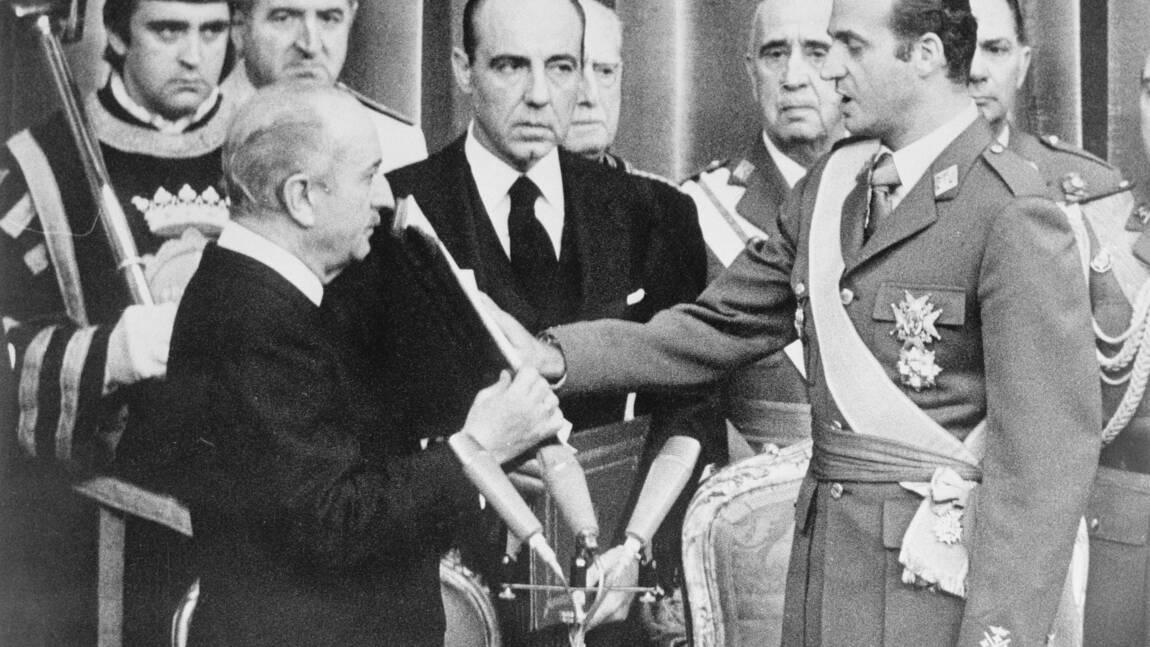 """Juan Carlos Ier, de """"roi de la démocratie"""" au discrédit"""