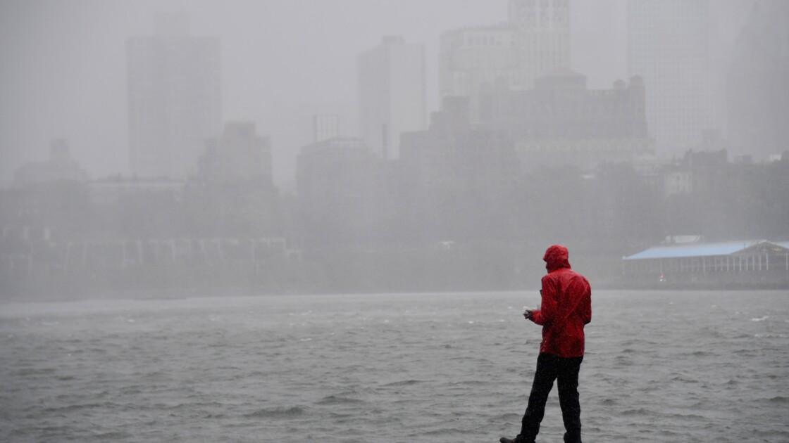 La tempête Isaias balaie la côte Est américaine, au moins quatre morts