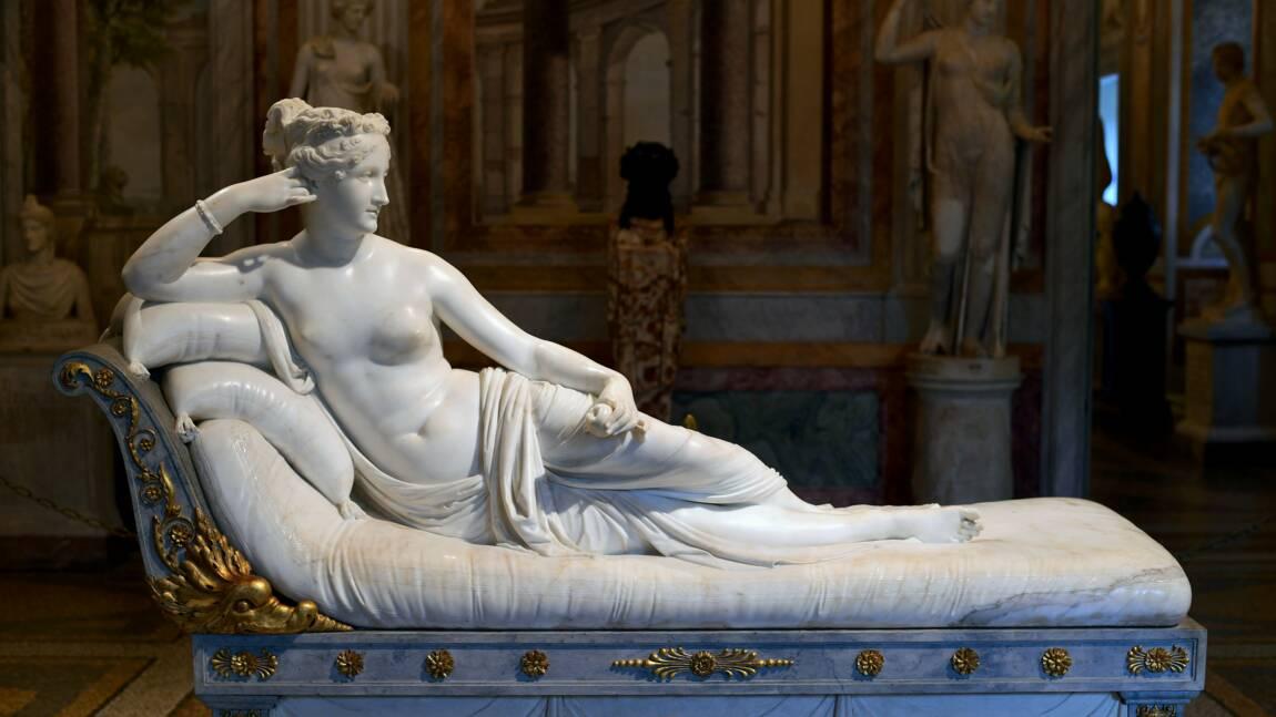 Italie : un touriste indélicat endommage une statue, la vidéosurveillance le piège