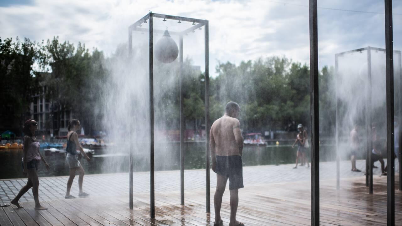 """La canicule continue de s'étendre, """"épouvantablement chaude"""" à Paris"""