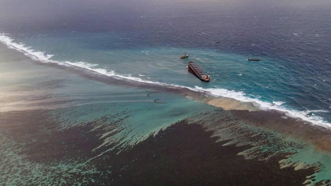 Maurice: le temps presse pour pomper le carburant du bateau échoué