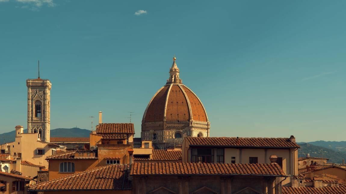 """En Italie, faites-vous servir un verre depuis des """"fenêtres à vin"""" vieilles de 400 ans"""