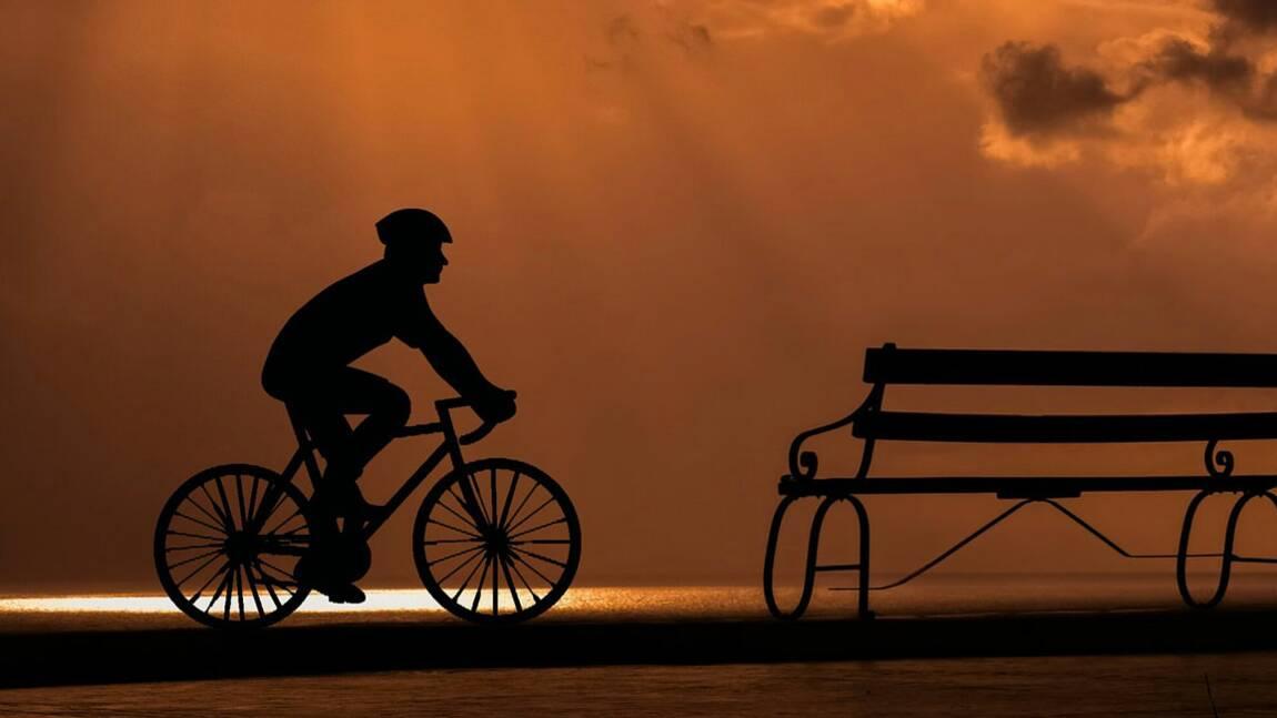 Trottinette, vélo, course à pied... Les règles à suivre pour bien s'éclairer la nuit