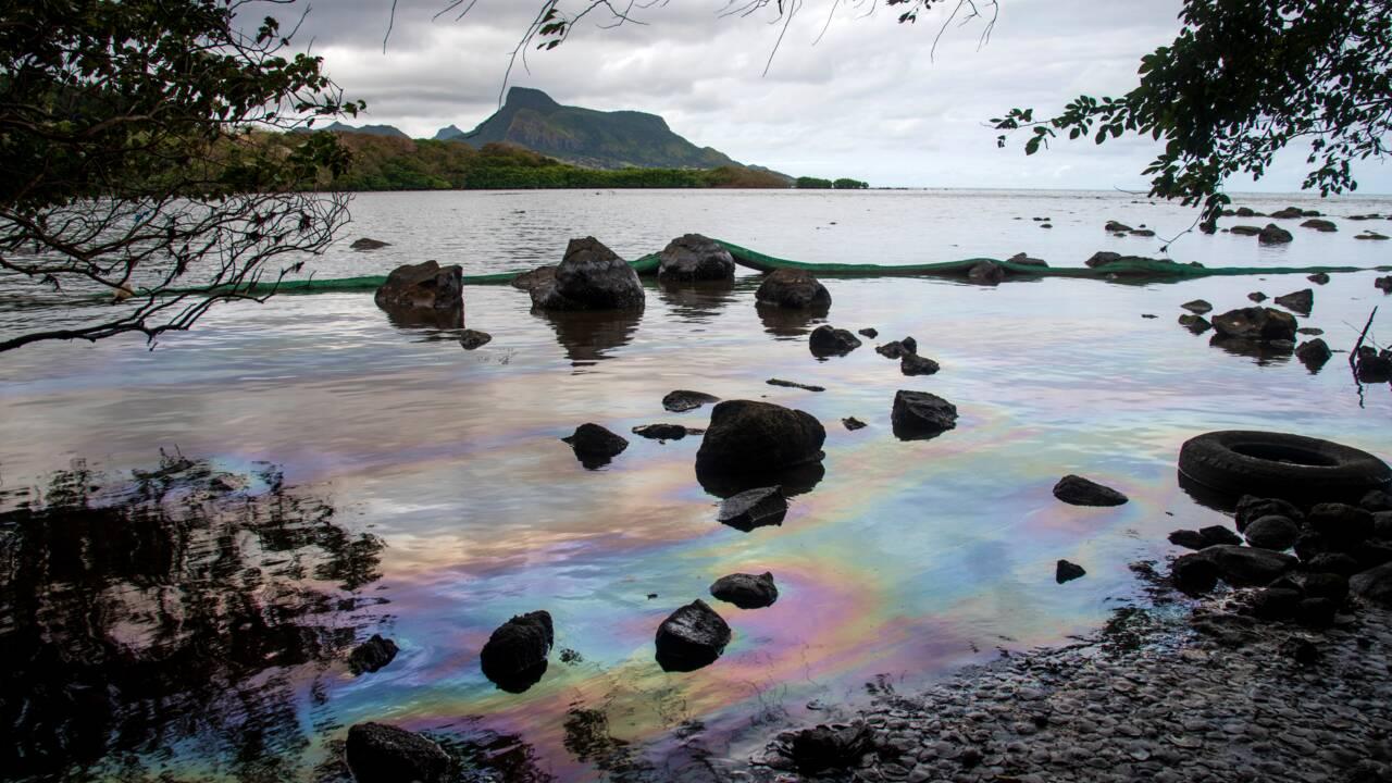 Ile Maurice: le navire échoué sur le point de se briser