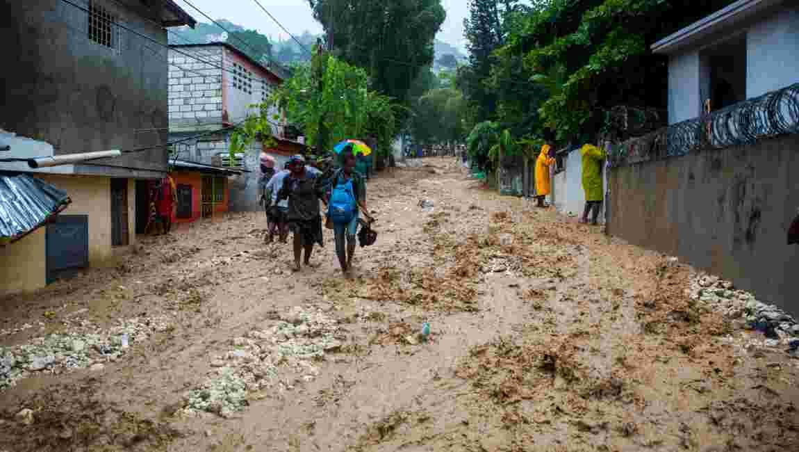 Bientôt ouragan, la tempête Laura traverse Cuba en direction des Etats-Unis