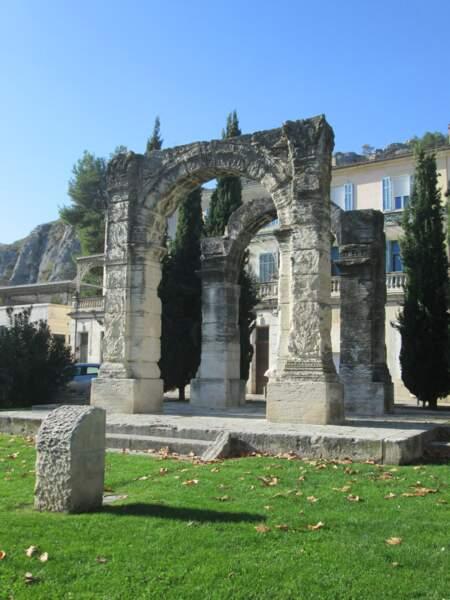 L'arc romain de Cavaillon, construit au Ier siècle après J.-C.