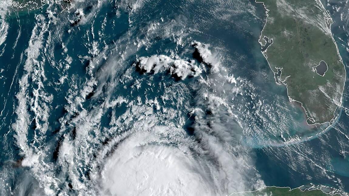 La tempête Laura est désormais un ouragan dans le Golfe du Mexique