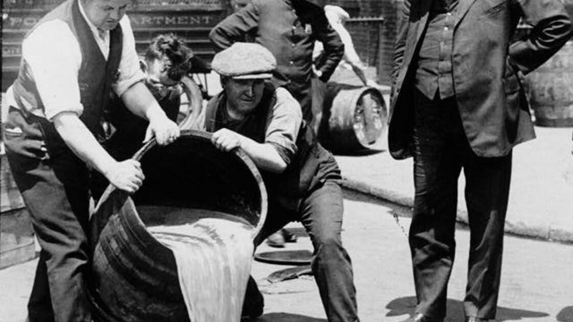 Il y a cent ans, la prohibition : comment les Etats-Unis se sont-ils retrouvés au régime sec ?