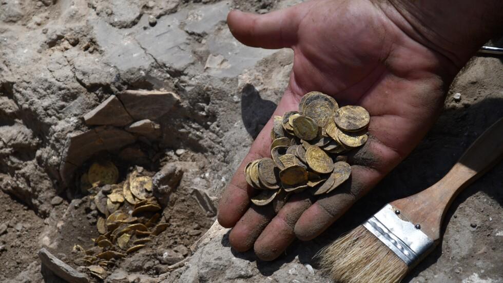 Des adolescents découvrent un trésor vieux de 1100 ans en Israël
