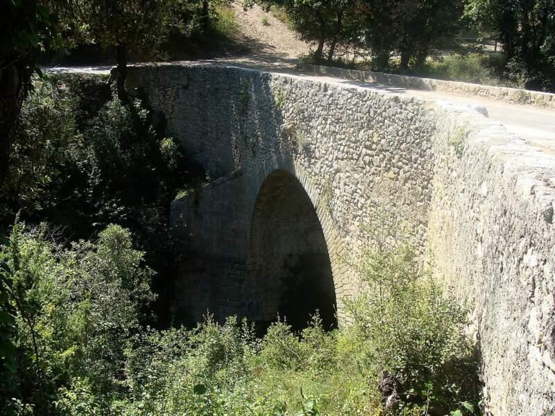 Le pont de Lurs