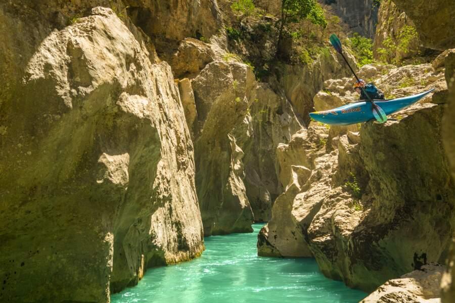 Kayak extrême : les gorges du Verdon en majesté avec la championne Nouria Newman