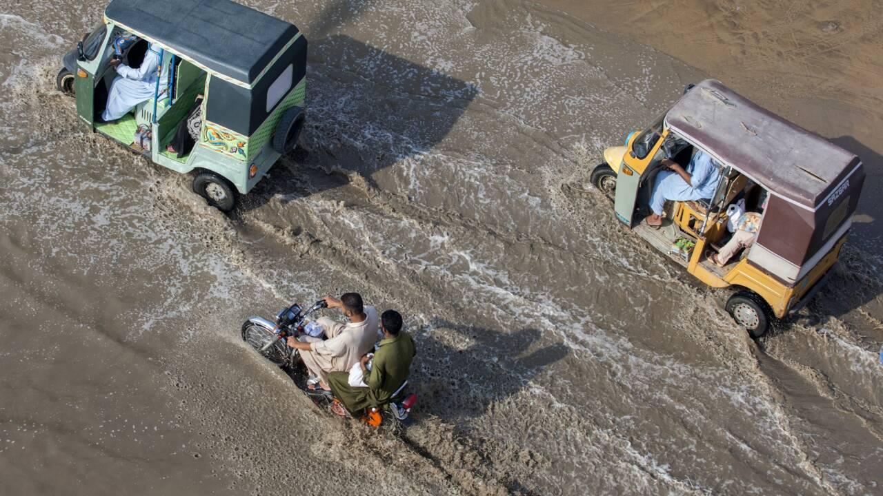 A Karachi, les ravages de la mousson sur fond de corruption