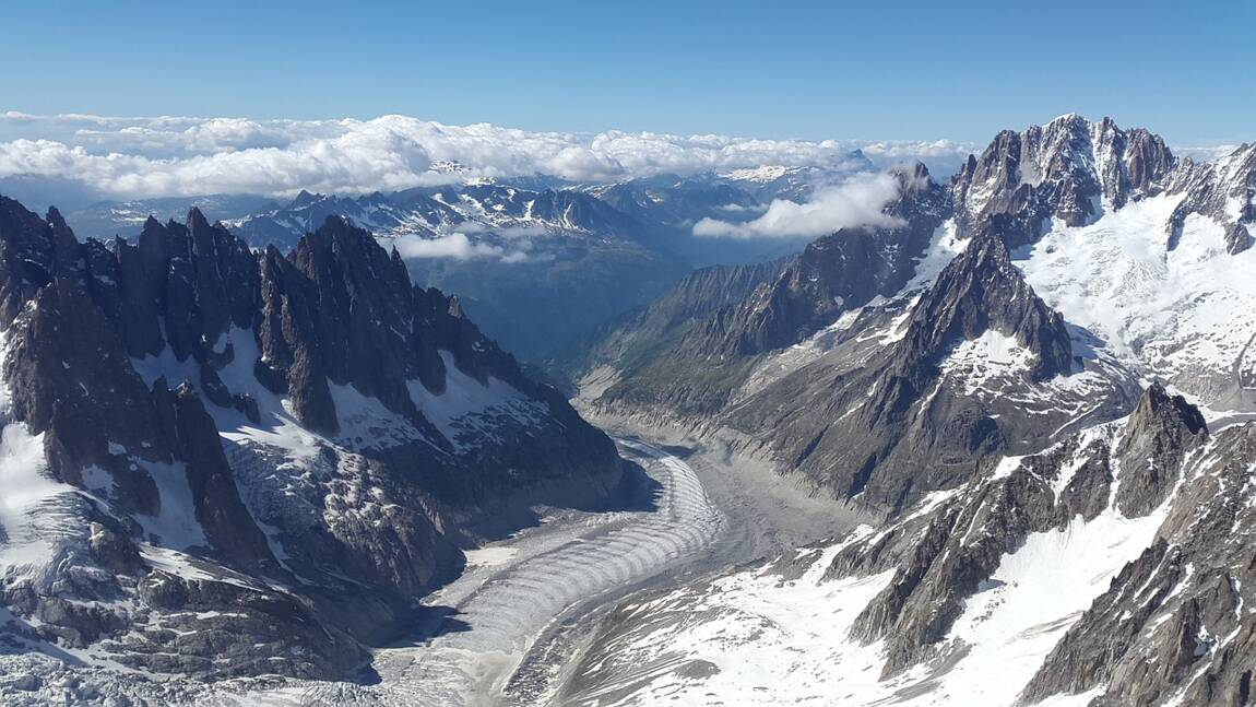 Tourisme : dans la vallée du Mont-Blanc, Megève sourit, Chamonix s'inquiète