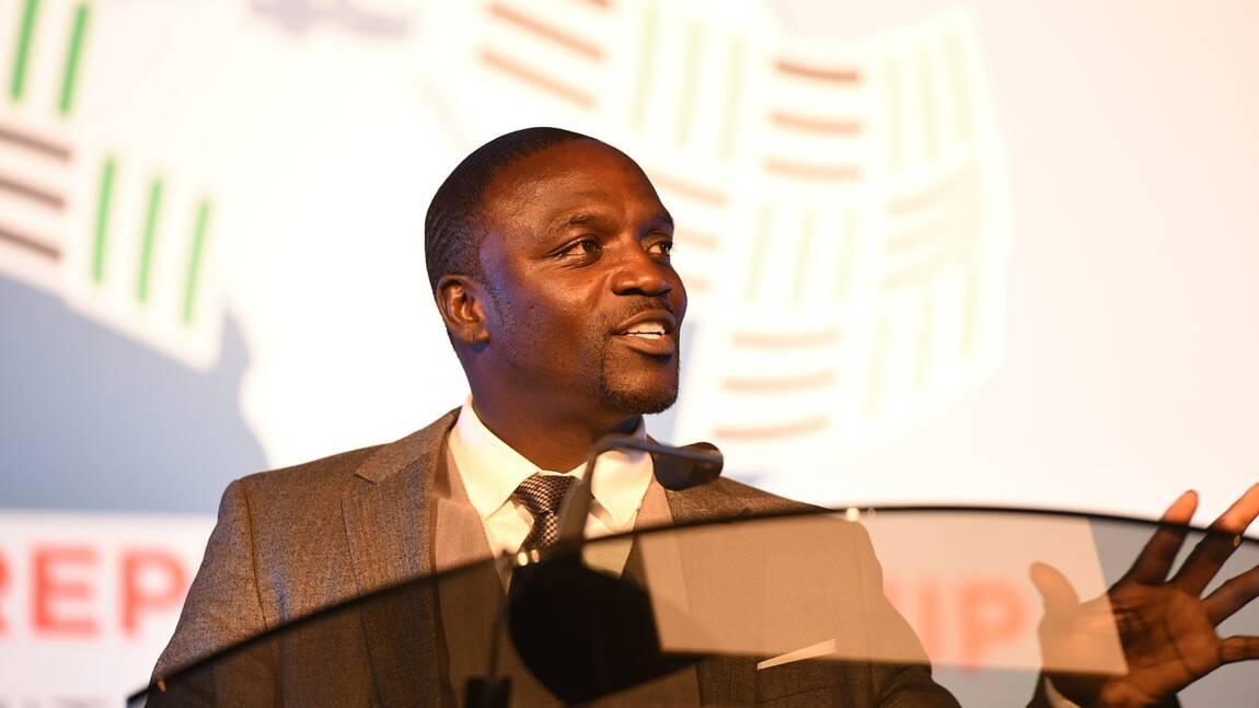 Sénégal : le rappeur Akon pose la première pierre d'une ville digne du Wakanda