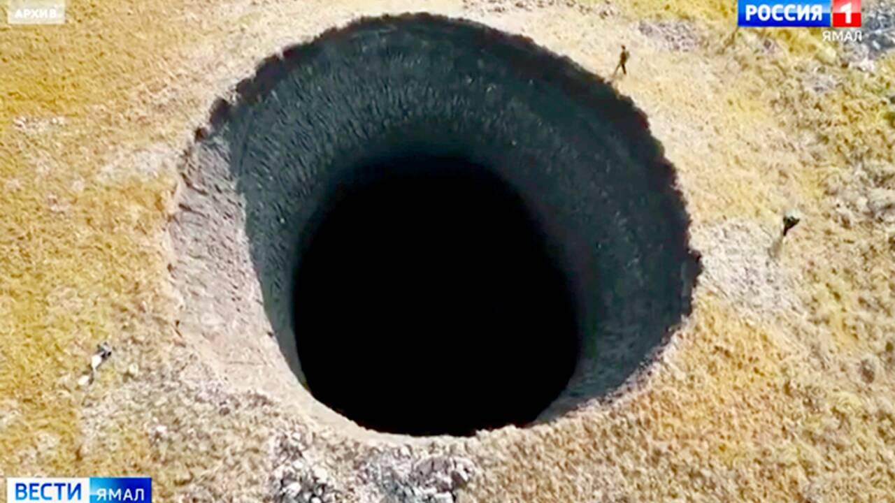Un gigantesque cratère de 50 m de profondeur s'est formé dans le sol de Sibérie