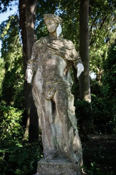 Statue farceuse à Sant'Elena