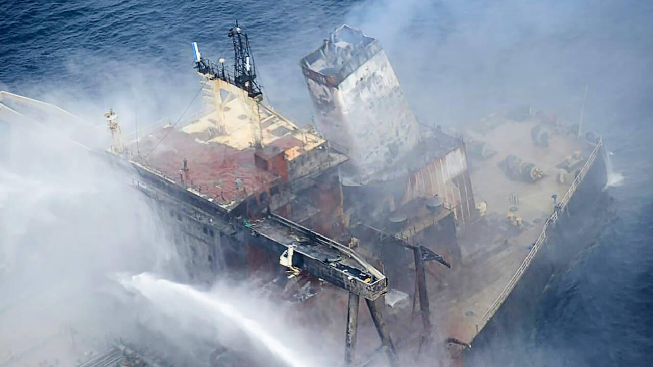 Incendie éteint sur un pétrolier près du Sri Lanka, nappe de diesel d'un km