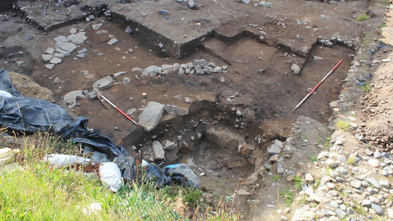 Des vestiges d'une rotonde romaine vieille de 2000 ans découverts dans un château anglais