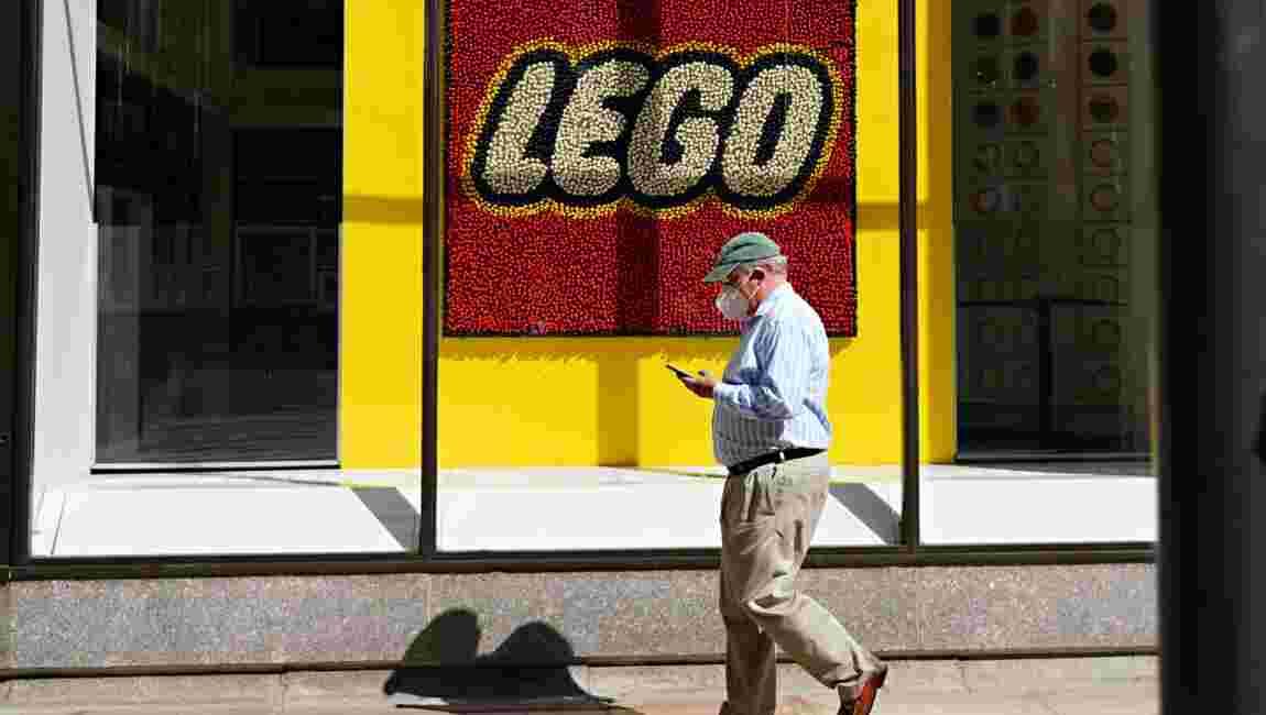 Lego tourne la page des sachets en plastique