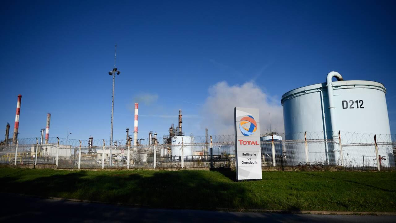 """Total annonce l'arrêt du raffinage à Grandpuits et promet une """"plateforme zéro pétrole"""""""