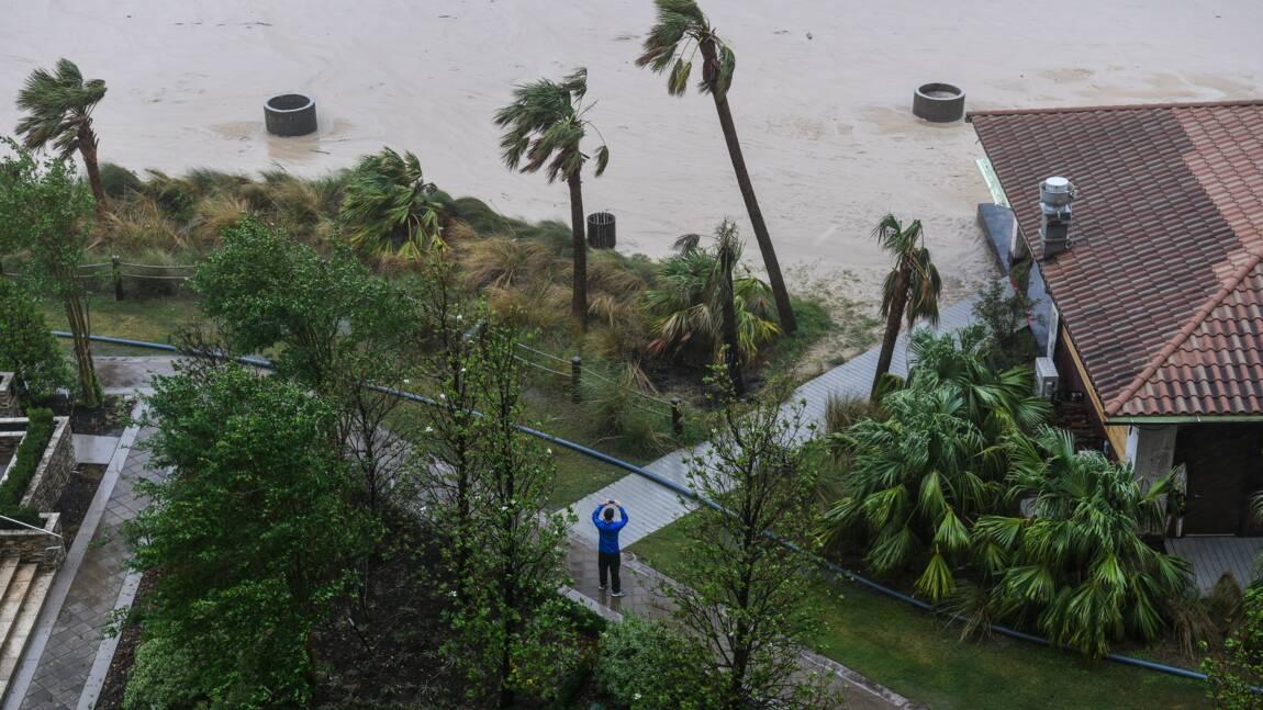 Après le passage de l'ouragan Delta, les Etats-Unis évaluent les dégâts