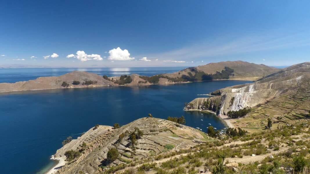 Dans la cosmogonie inca, le lac Titicaca aurait donné naissance au dieu créateur du monde