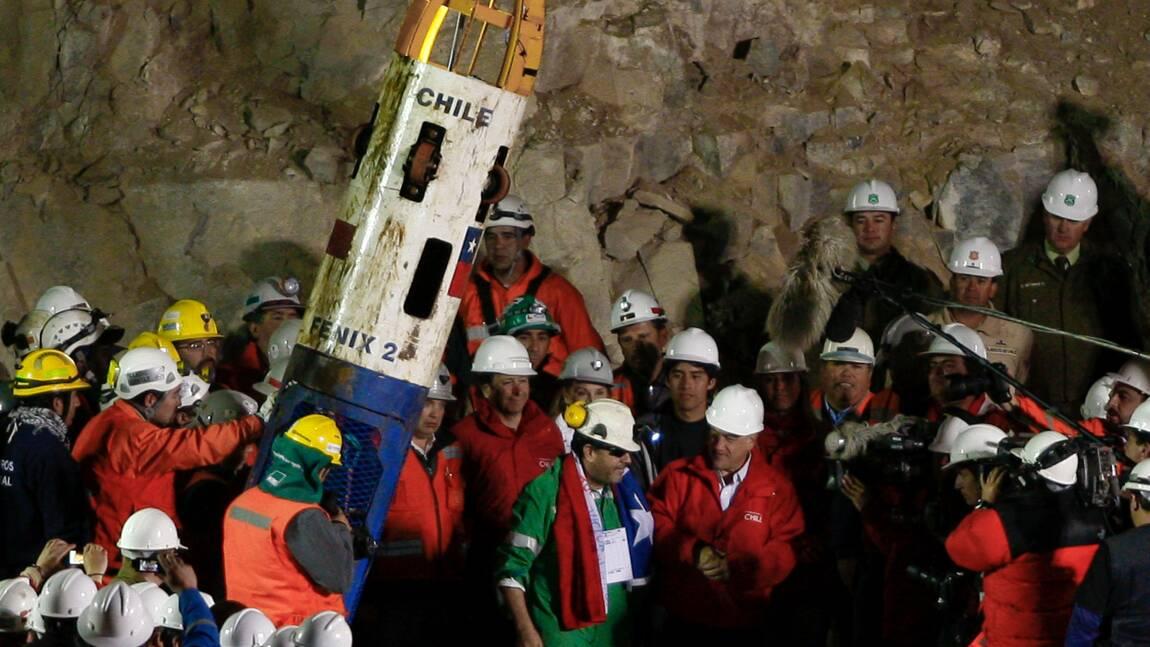 """Chili: il y a 10 ans, les """"33 mineurs de l'Atacama"""" remontaient à la surface"""
