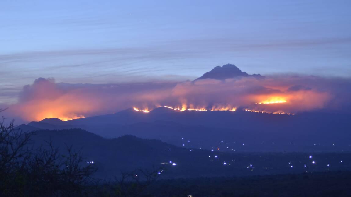"""Tanzanie : l'incendie au Kilimandjaro serait """"sous contrôle"""""""