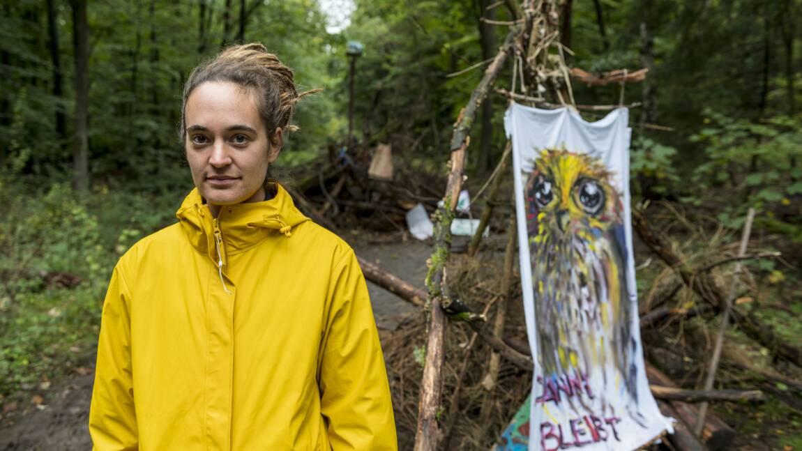 """Carola Rackete, l'""""emmerdeuse"""" qui sauve des migrants et défend la forêt"""