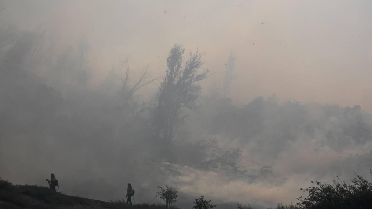 Californie: violents feux de broussailles, 90.000 personnes évacuées