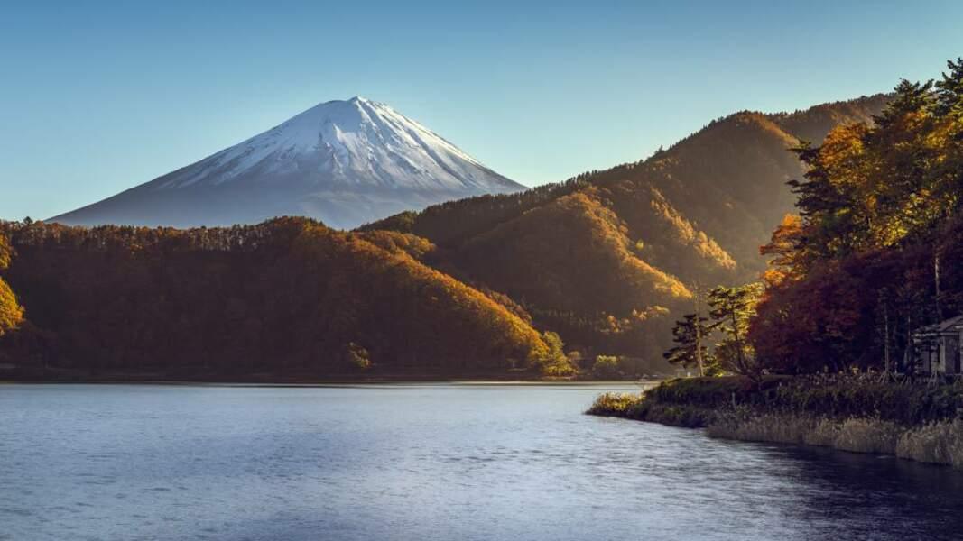 Le lac Kawaguchi au couleurs d'automne