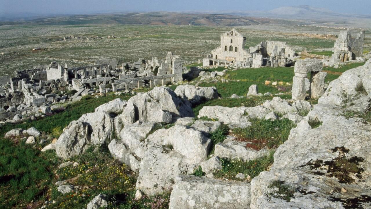 Dans la Syrie en guerre, des déplacés installés dans un temple romain
