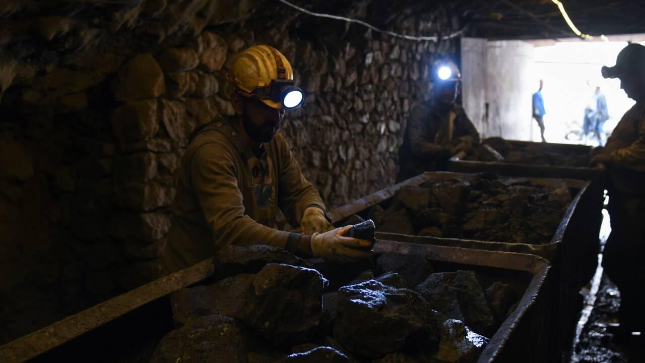 """Dans les mines de chrome d'Albanie, les gueules noires ont un """"gros problème"""""""