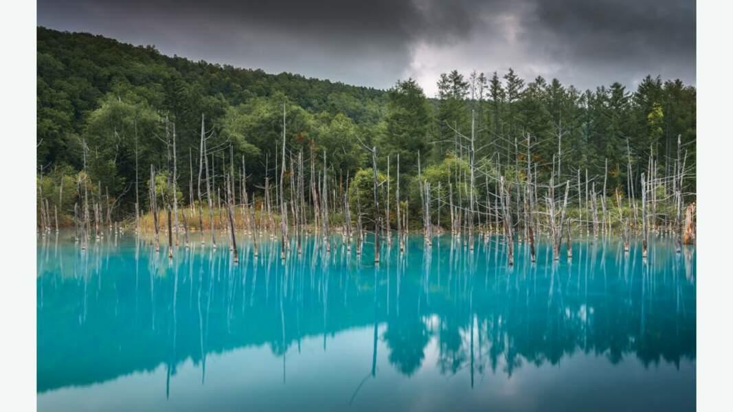 "L'étang ""bleu"" d'Aoi Ike, Hokkaido"
