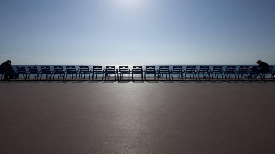 A Nice, le retrait des chaises bleues de la Promenade des Anglais fait polémique
