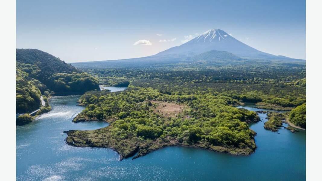 Vue aérienne du lac Shōji et du mont Fuji