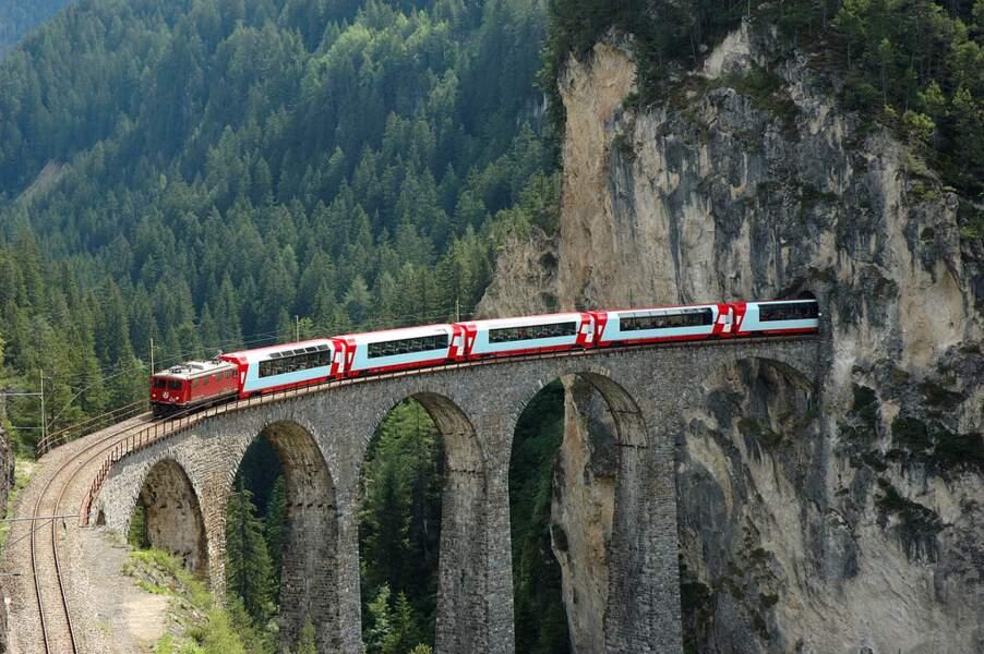 Dans le train le plus paresseux du monde en Suisse